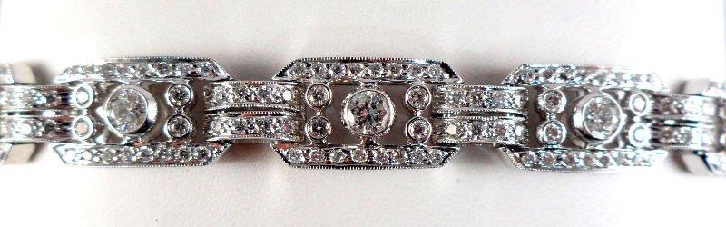 203A: 18K White Gold Ladies Diamond Bracelet