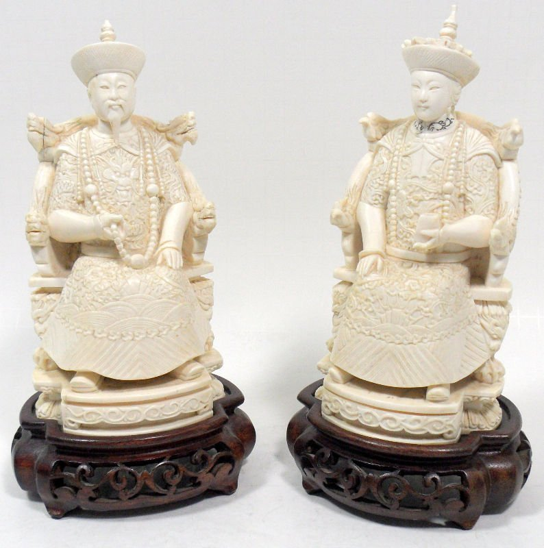 830: Chinese Ivory Figures of an Emperor and Empress