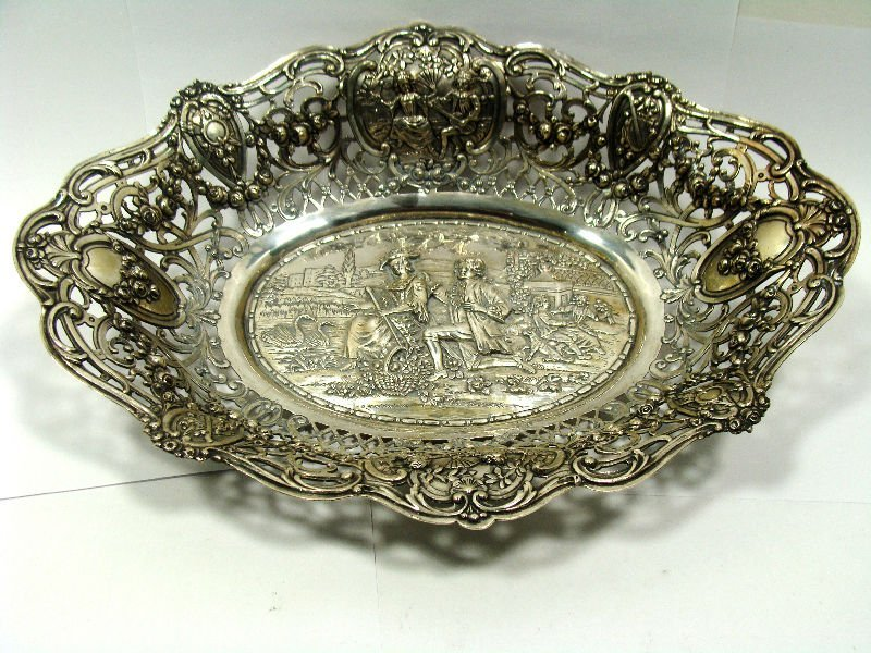 607: 800 Silver Reticulated Figural Oval Bowl
