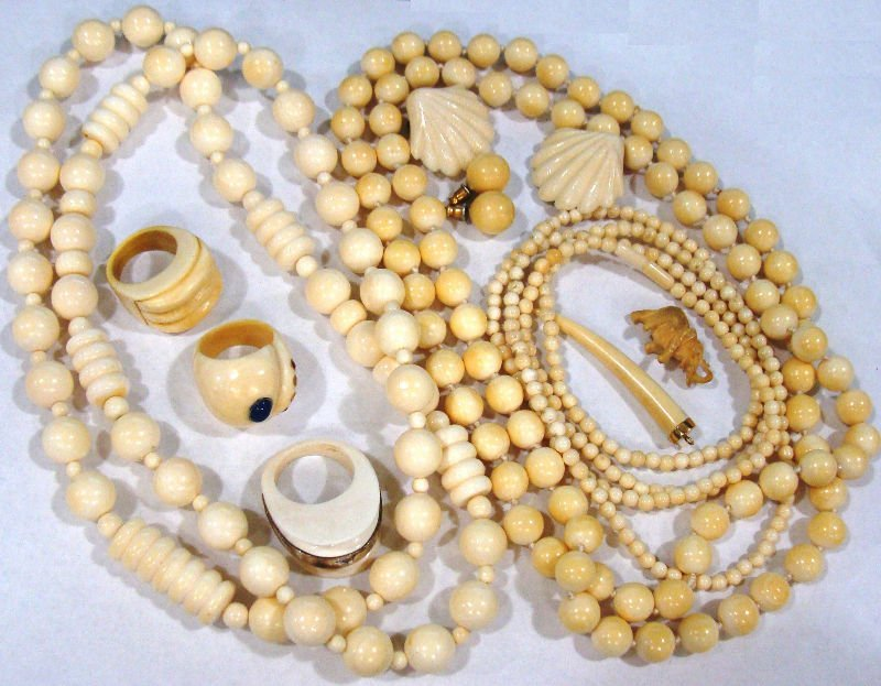 310A: Collection of Ivory Jewelry (10 pieces)