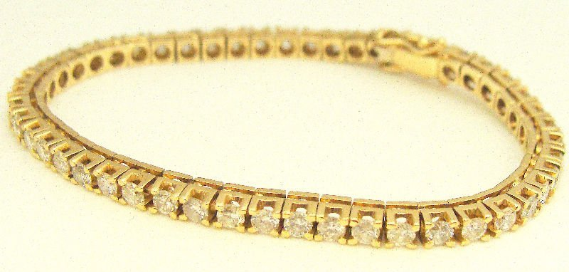 506A: 14Kt YG 3.0Ct Diamond Tennis Bracelet