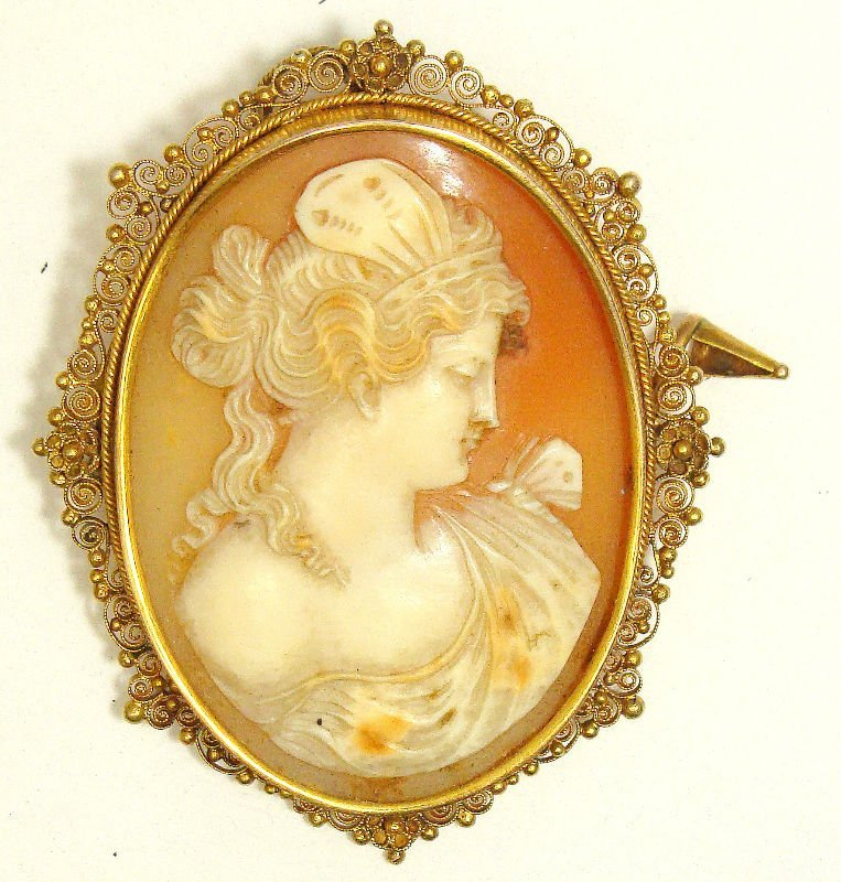 510A: 14Kt Yellow Gold Cameo