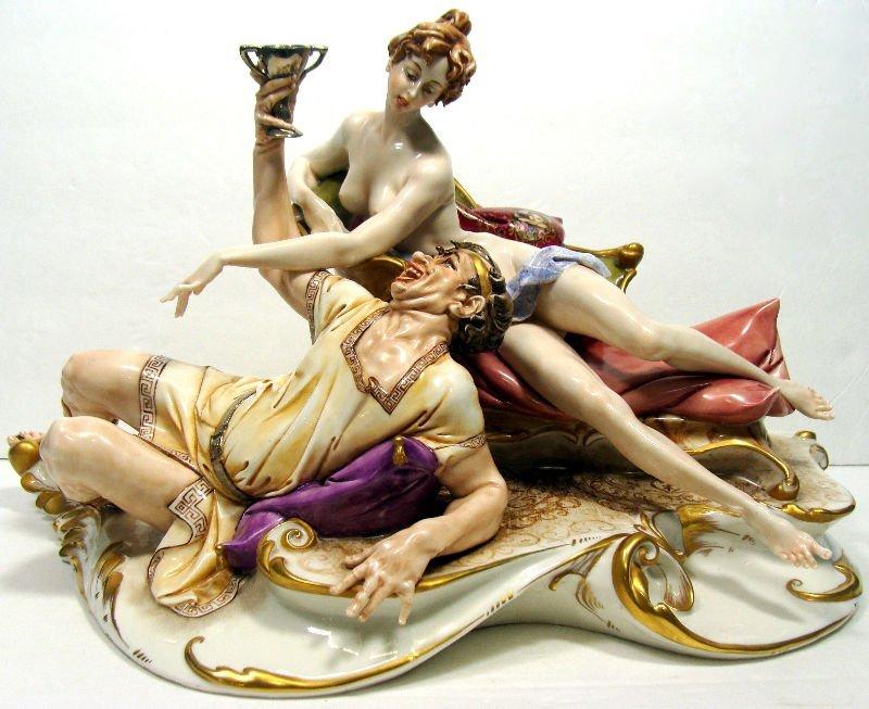 819: Capodimonte Italian 2 Figure Group