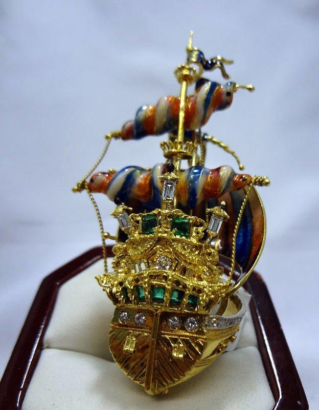 15A: 18 Kt. Y.G. Ladies Pirate Ship Enamel Pin