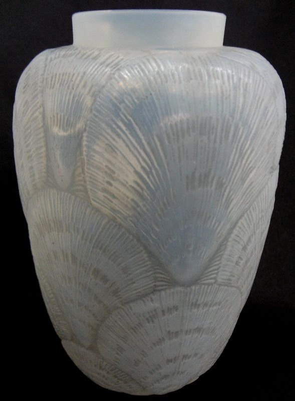 Rene Lalique Crystal Opalescent Coquilles Vase