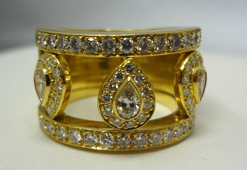 18 Kt. Y.G. 1.5 ct Diamond Band Ring