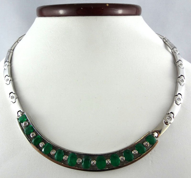 18Kt WG Diamond & Approx 4.00ct Emerald Necklace