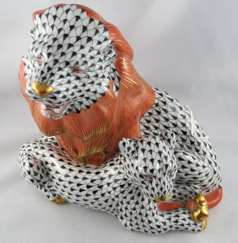 Stunning Herend Porcelain Lion Group