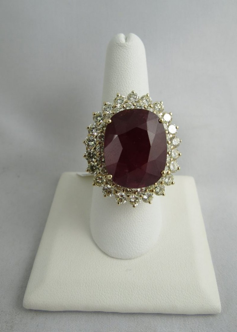 14Kt YG 30ct Ruby & 5ct Diamond Ladies Ring