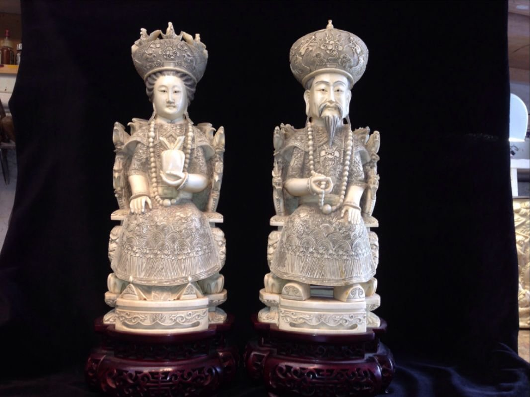 Important Chinese Hand Carved Ivory King & Queen