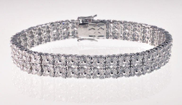Contemporary 18k White Gold & Diamond Bracelet