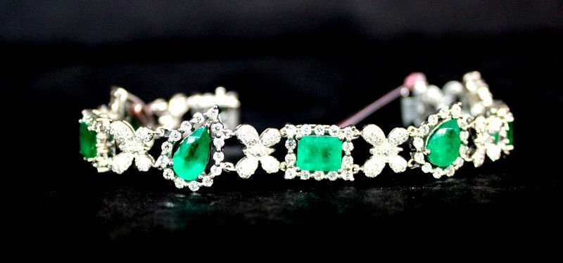 18Kt WG 9.67ct. Emerald & 4.06ct. Diamond Bracelet