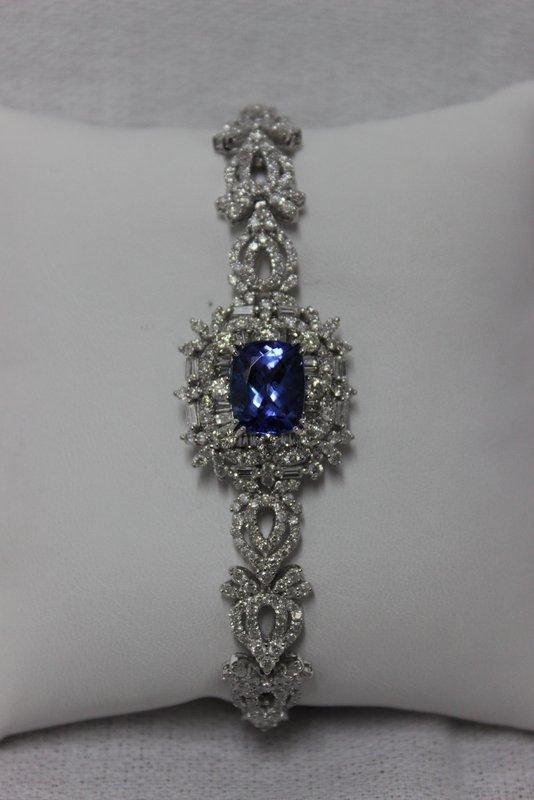 18Kt WG 4.07ct. Tanzanite & 4.16ct. Diamond Bracelet
