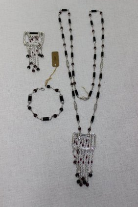 18kt Wg Black Onyx, Ruby & Diamond Suite