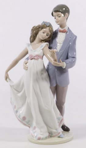 """Lladro """"now & Forever"""" #7642 Porcelain Group"""
