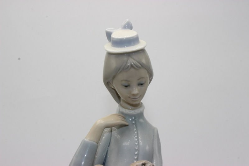 "Lladro ""Walk with Dog"" #4893 Porcelain Group - 2"