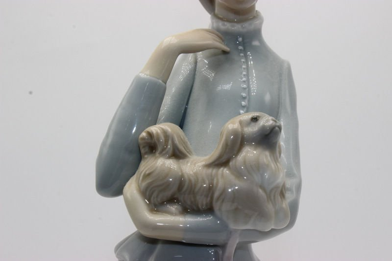 """Lladro """"Walk with Dog"""" #4893 Porcelain Group - 3"""