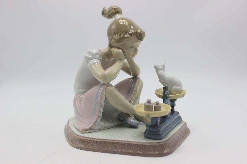 "Lladro ""How You've Grown"" #5474 Porcelain Figure - 2"