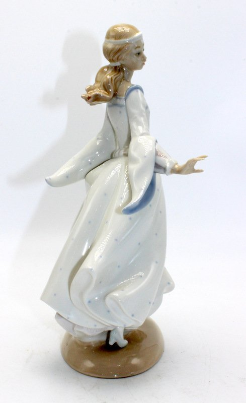 "Lladro ""Cinderella"" #4828 Porcelain Figurine - 2"