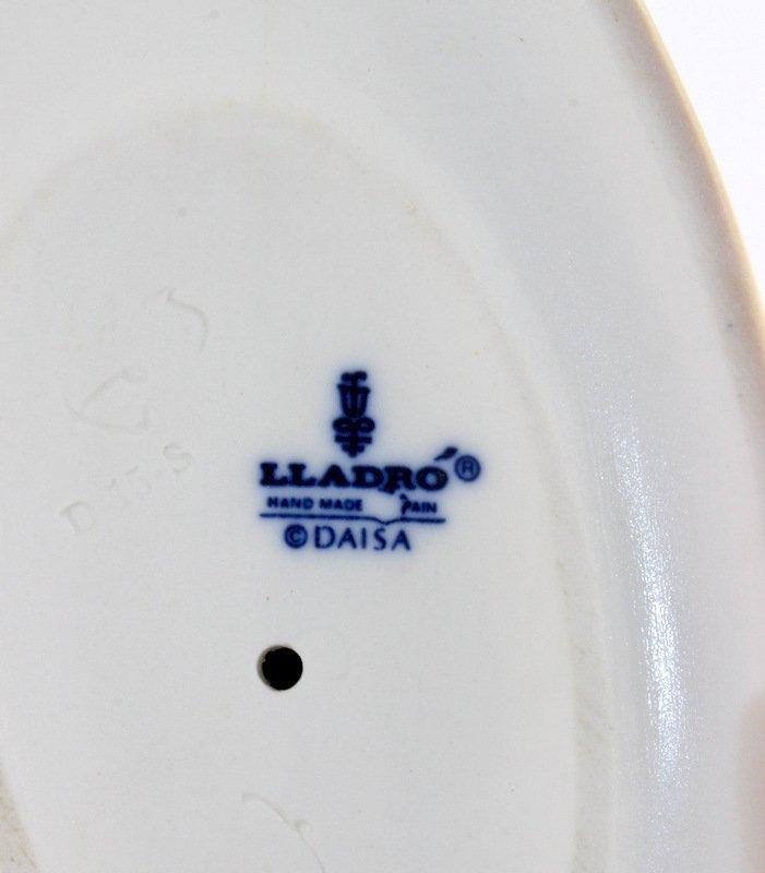 "Lladro ""Cinderella"" #4828 Porcelain Figurine - 3"