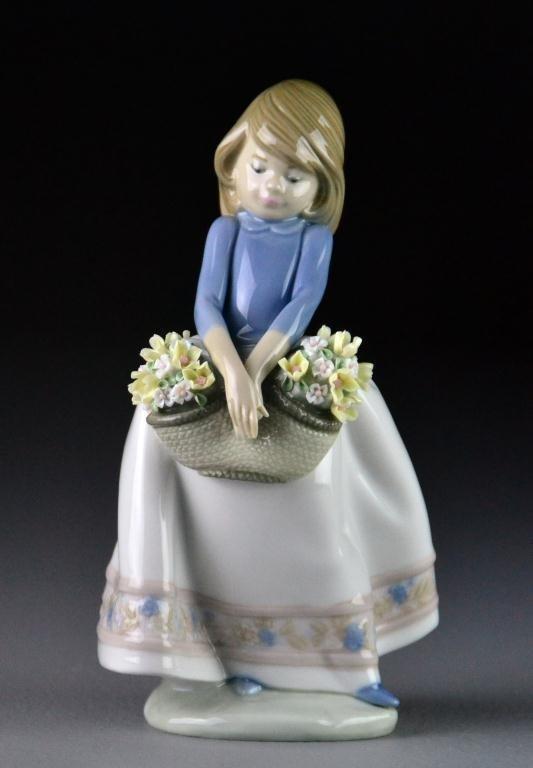 "Lladro ""May Flowers"" #5467 Porcelain Figure"