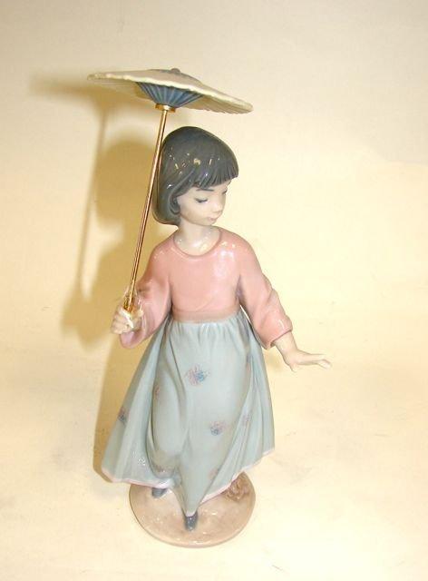 "Lladro ""Asian Love"" #06156 Porcelain Figure"