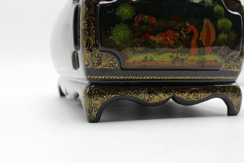 Large Russian Lacquer Box - 4