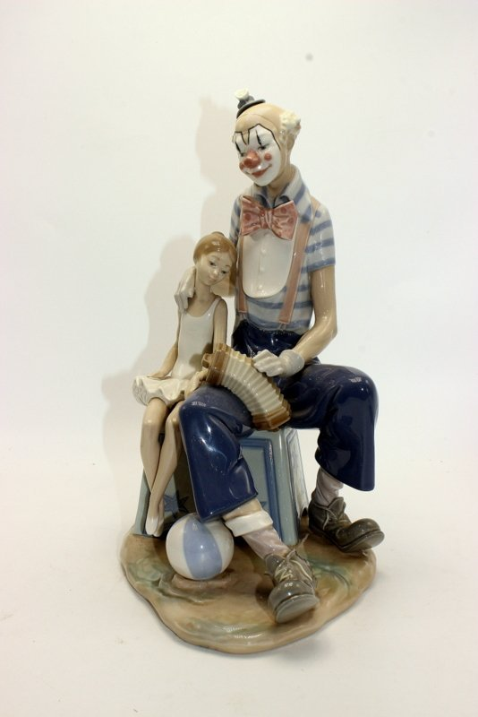 """Lladro """"Clown and Girl with Concertina & Ball"""" #5052"""