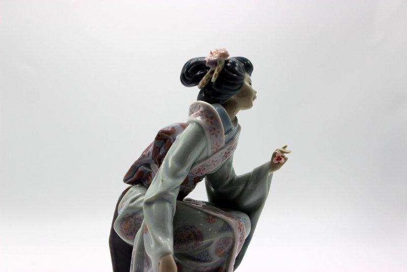 "Lladro ""Yuki"" #1448 Porcelain Figure - 2"