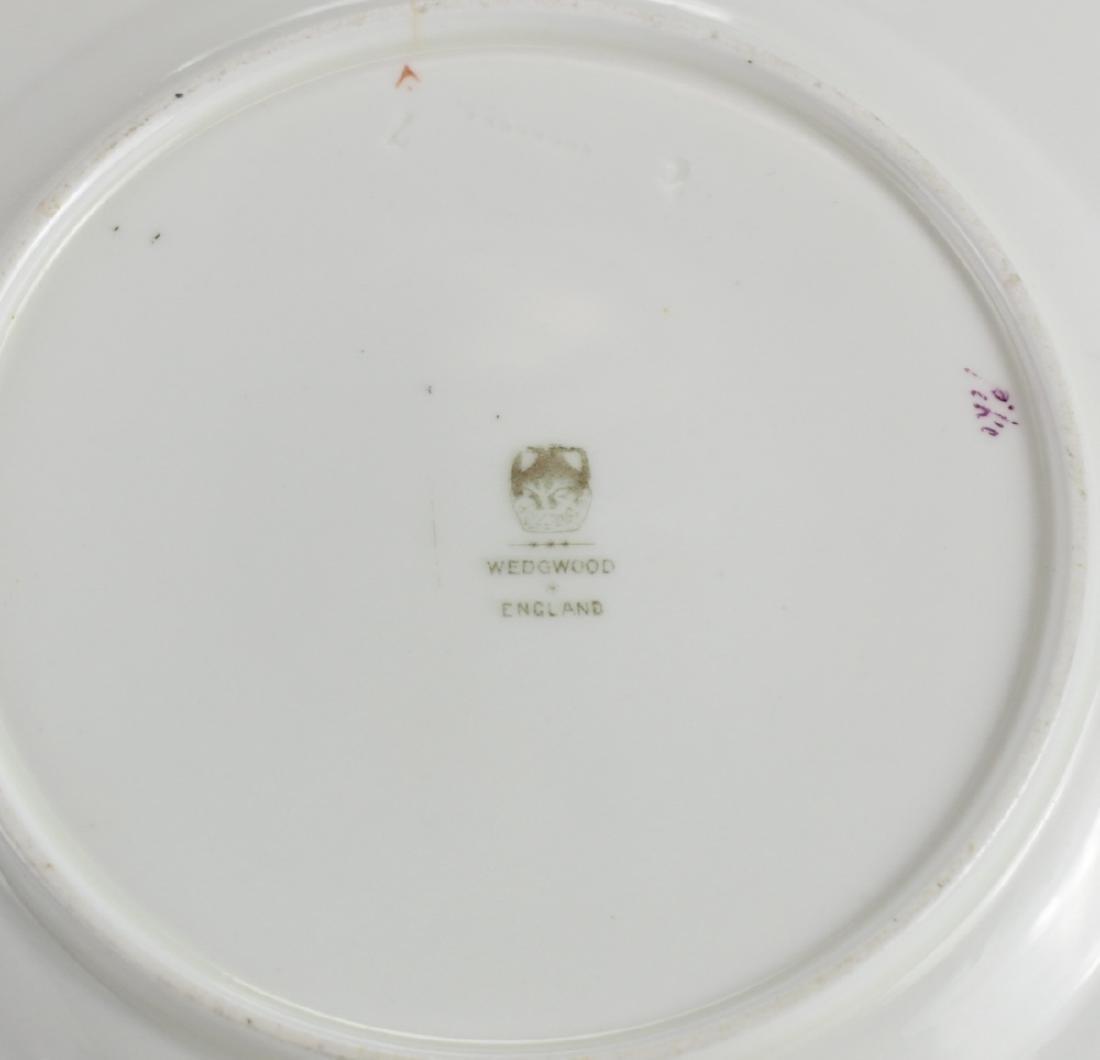 16 Wedgwood Porcelain Fish Plates - 2