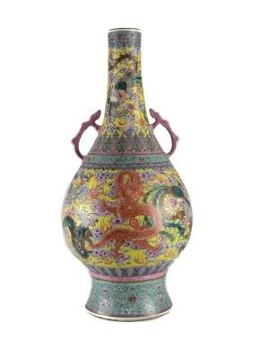 Chinese Porcelain Famille Verte Dragon vase