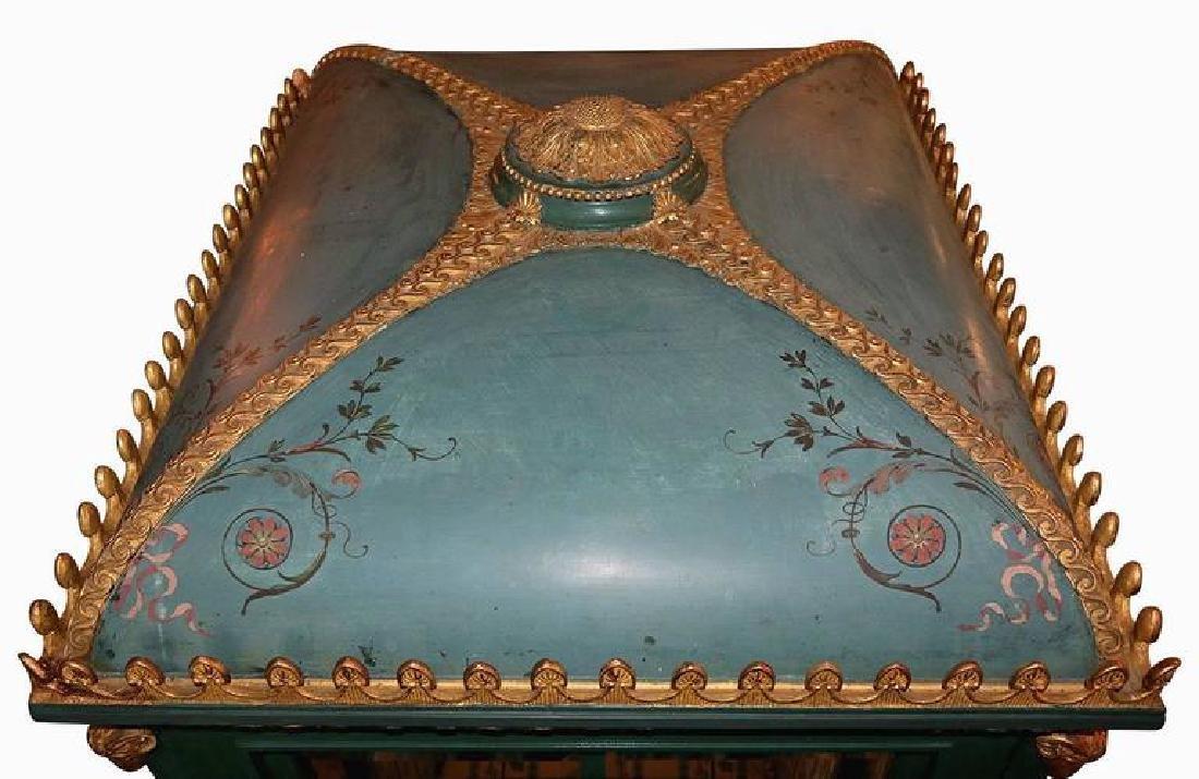 19th Century Venetian Giltwood Hand-Painted Sedan Chair - 3