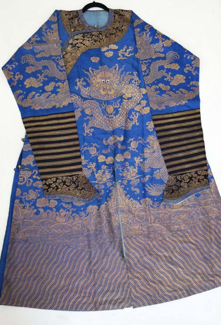 19th Century Chinese Embrodered Silk Robe - 5