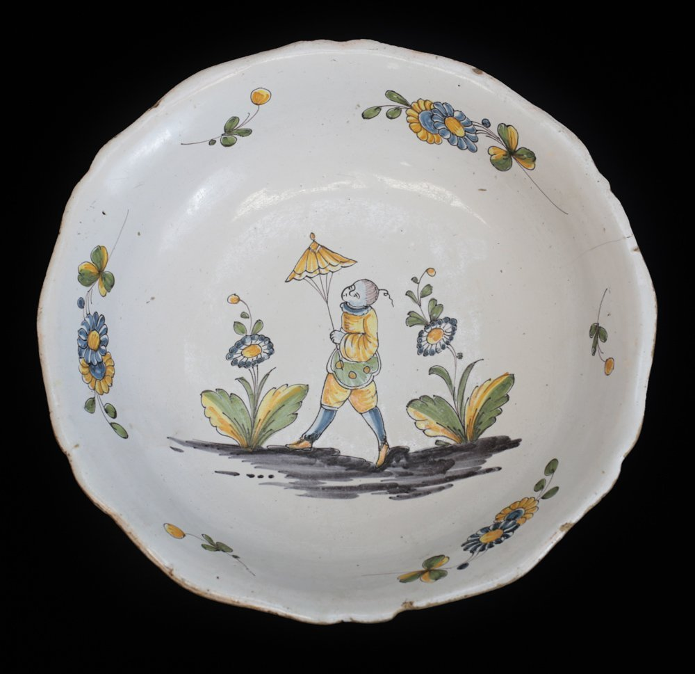 Continental Faience Earthenware Serving Bowl