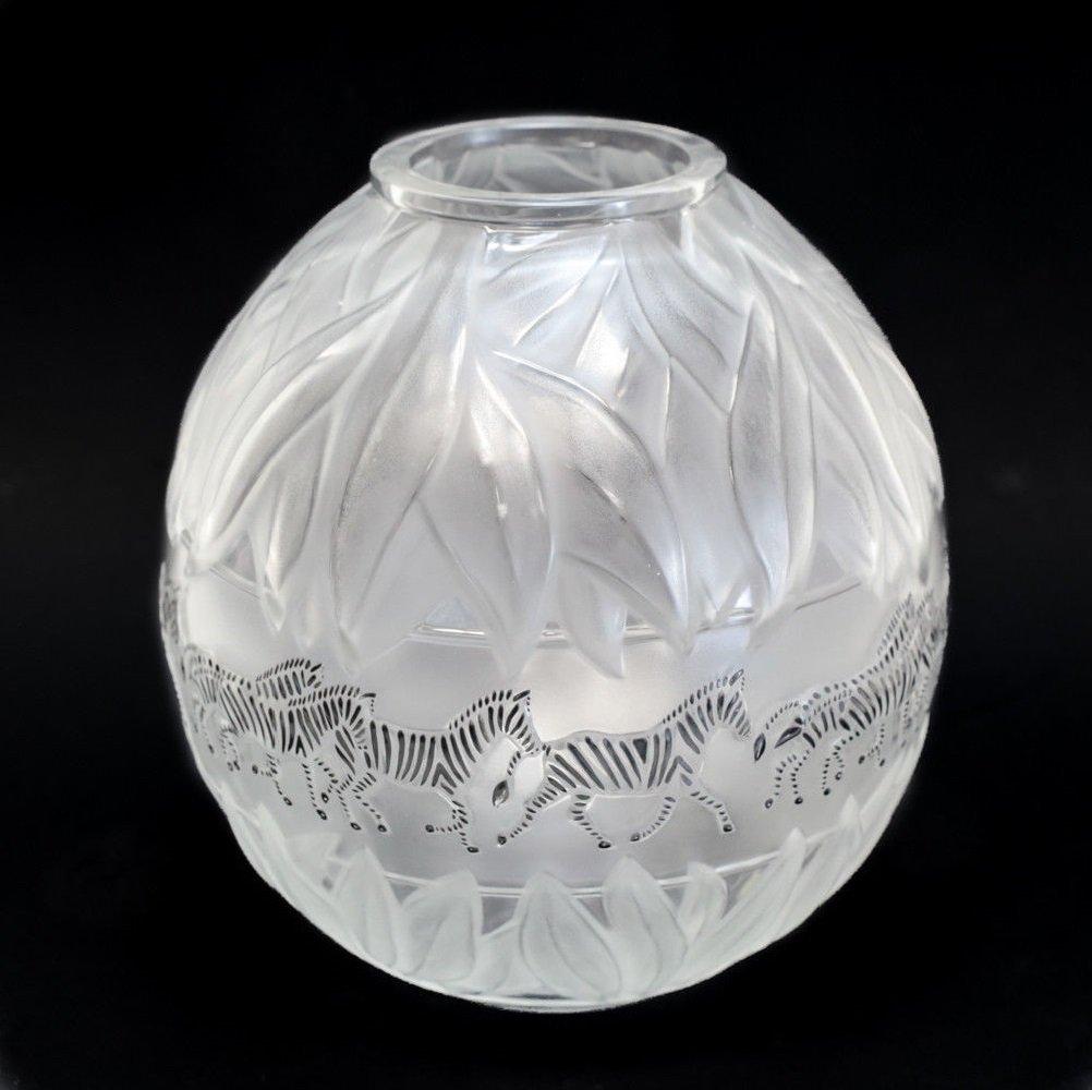Lalique Crystal Vase Tanzania - 3