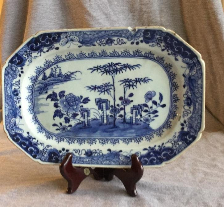 A Chinese export blue-white porcelain dish rectangular