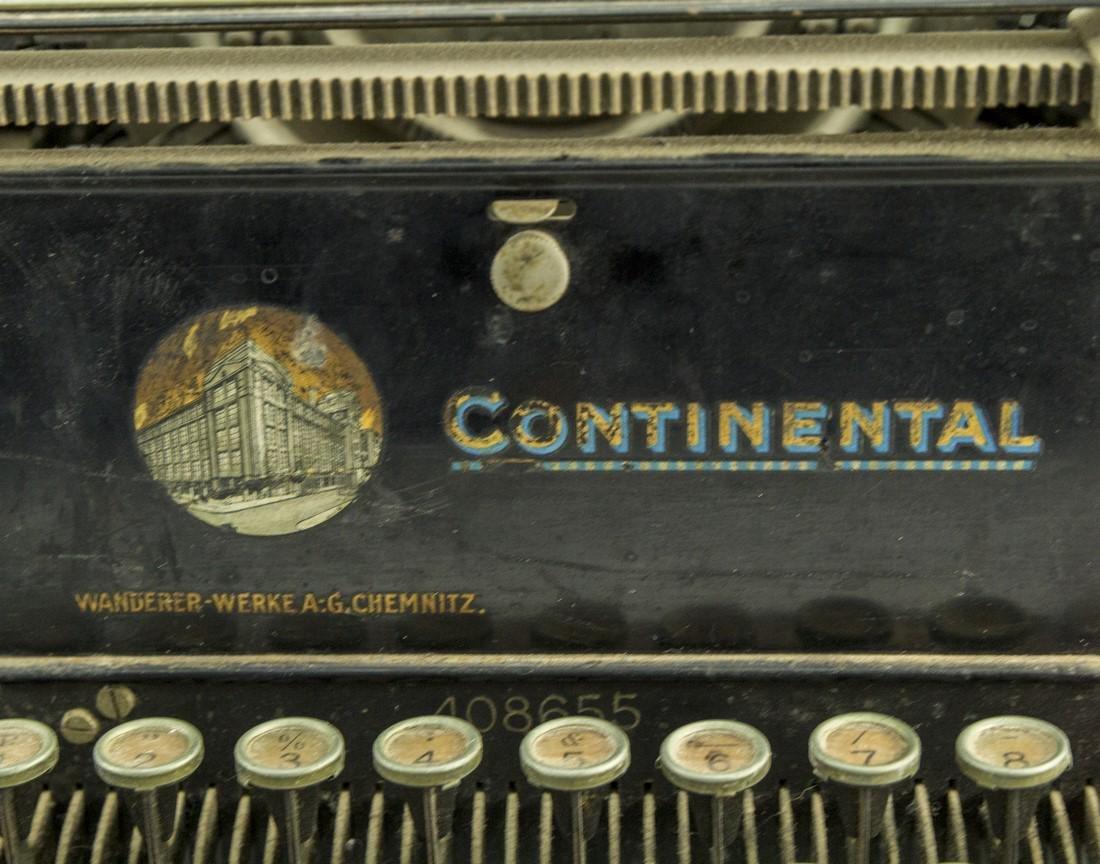 German Hebrew Typewriter - 3