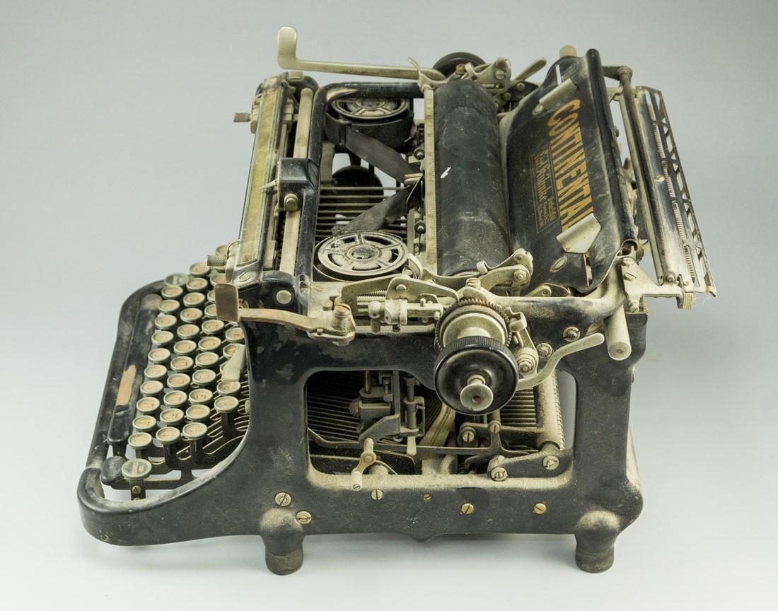 German Hebrew Typewriter - 5