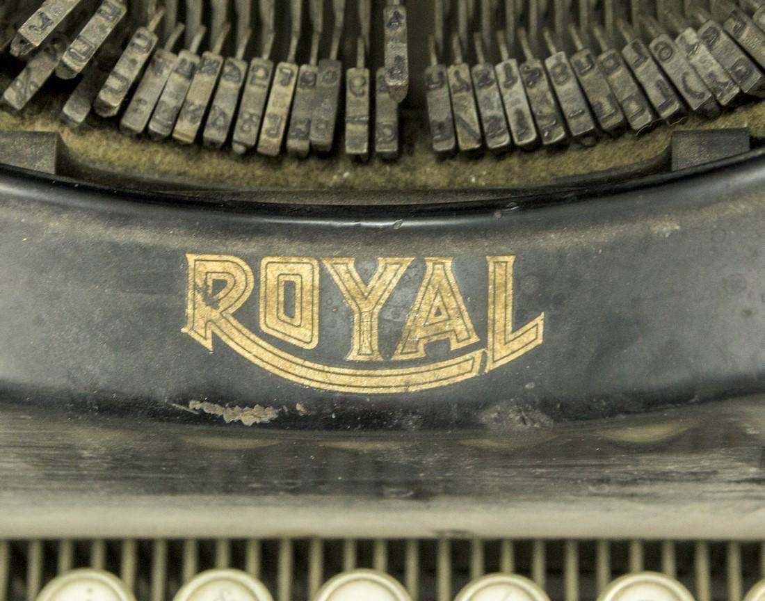 Hebrew Typewriter - 3