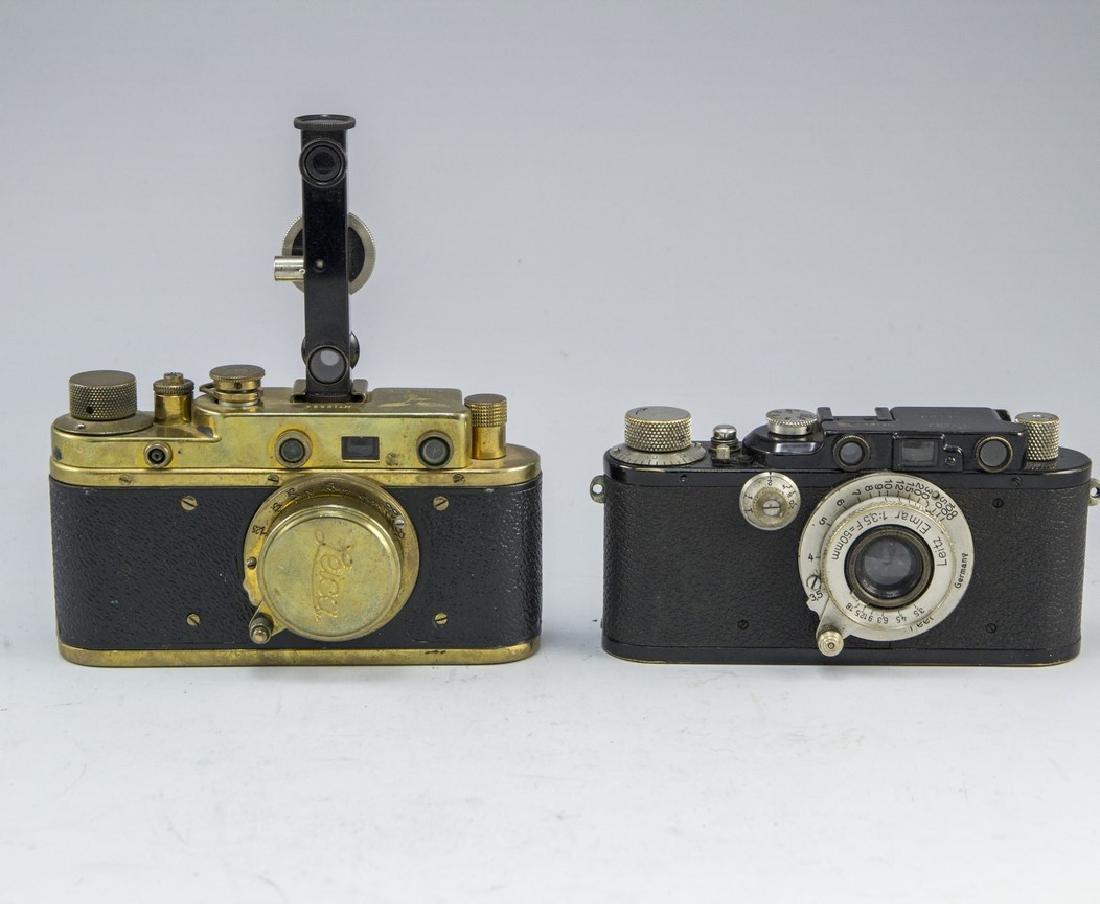 Lot of two Camera Replicas