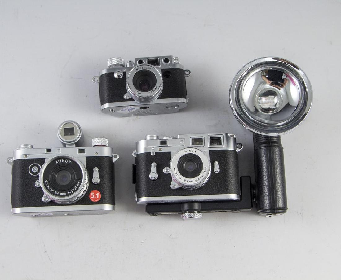 Lot of Camera Replicas
