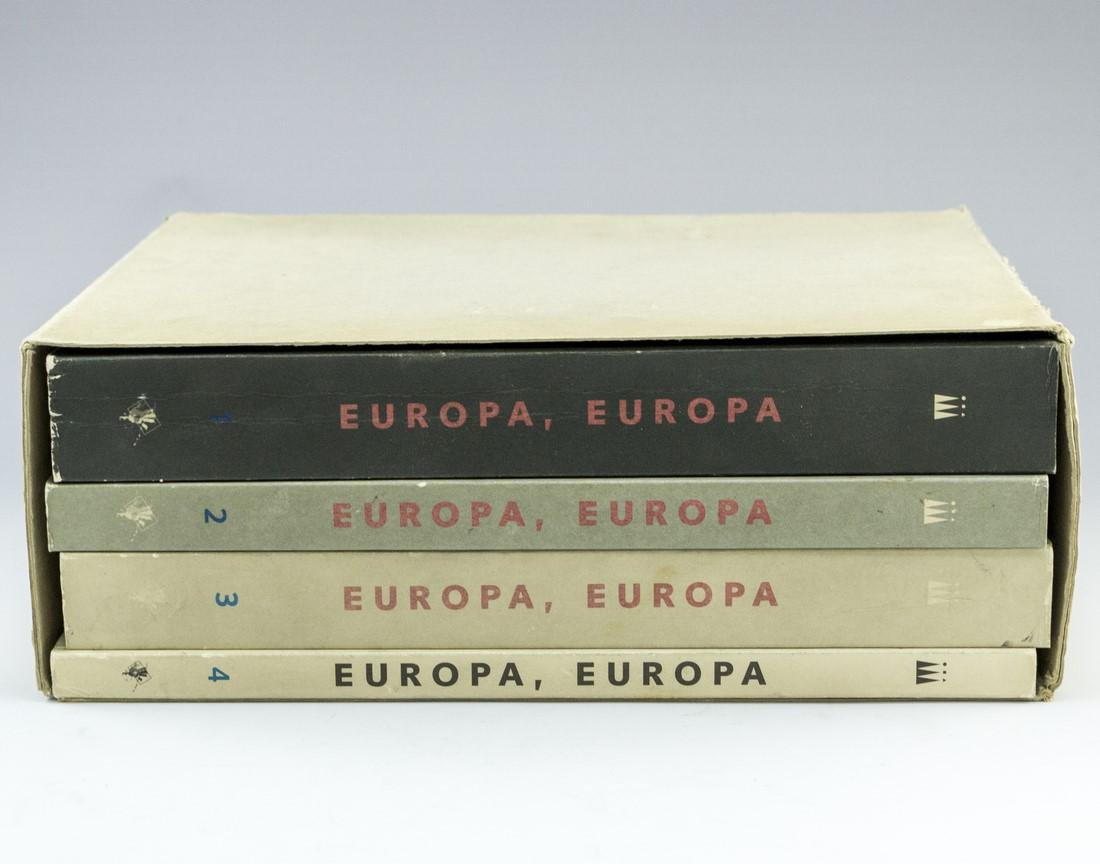 Set of Books, Avant-garde Art