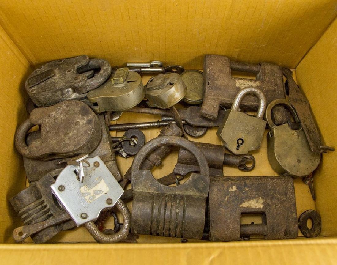 Lot of Keys and Locks