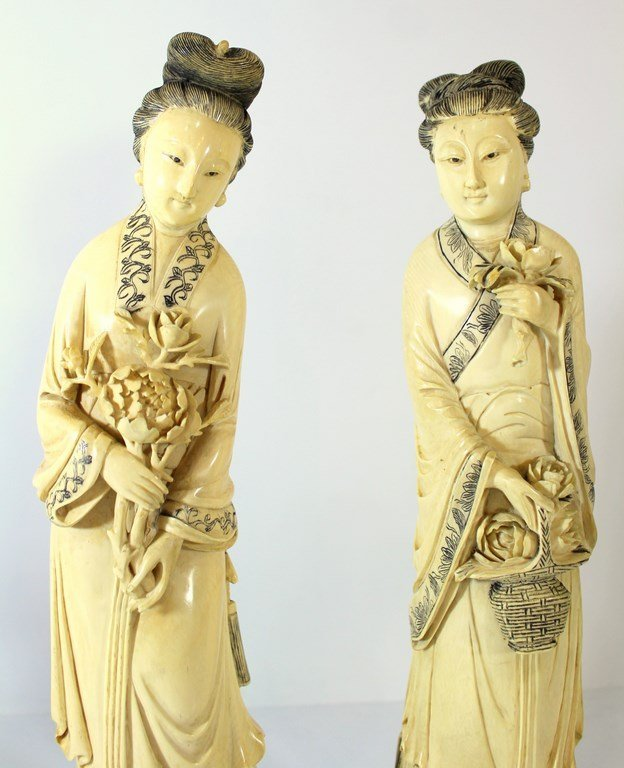 Pair of fine large Japanese ivory figurines - 5