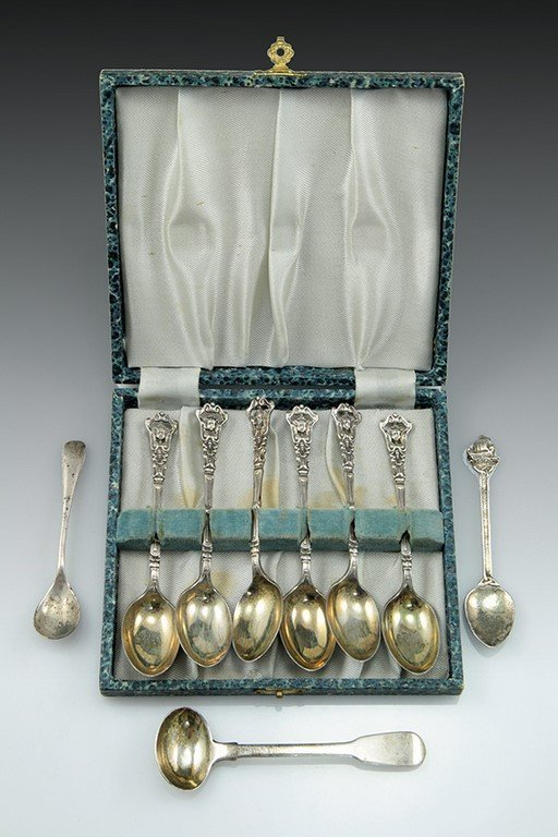 Lot of silver tea spoons