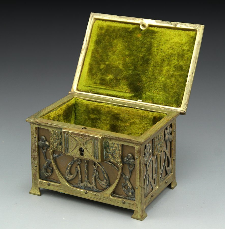 Art Nouveau jewelry box - 2