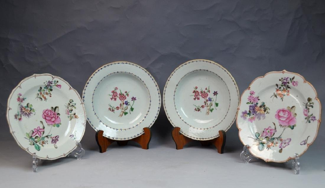 Two Pairs of Chinese Famille Rose Porcelain Plates