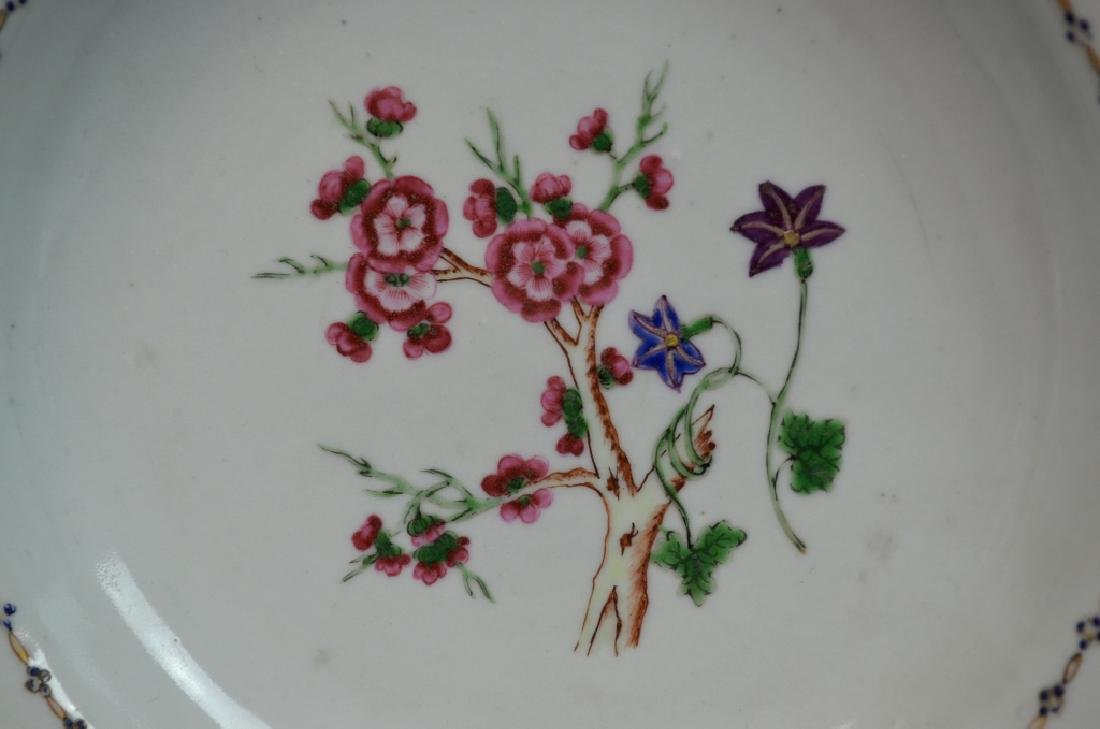 Two Pairs of Chinese Famille Rose Porcelain Plates - 4