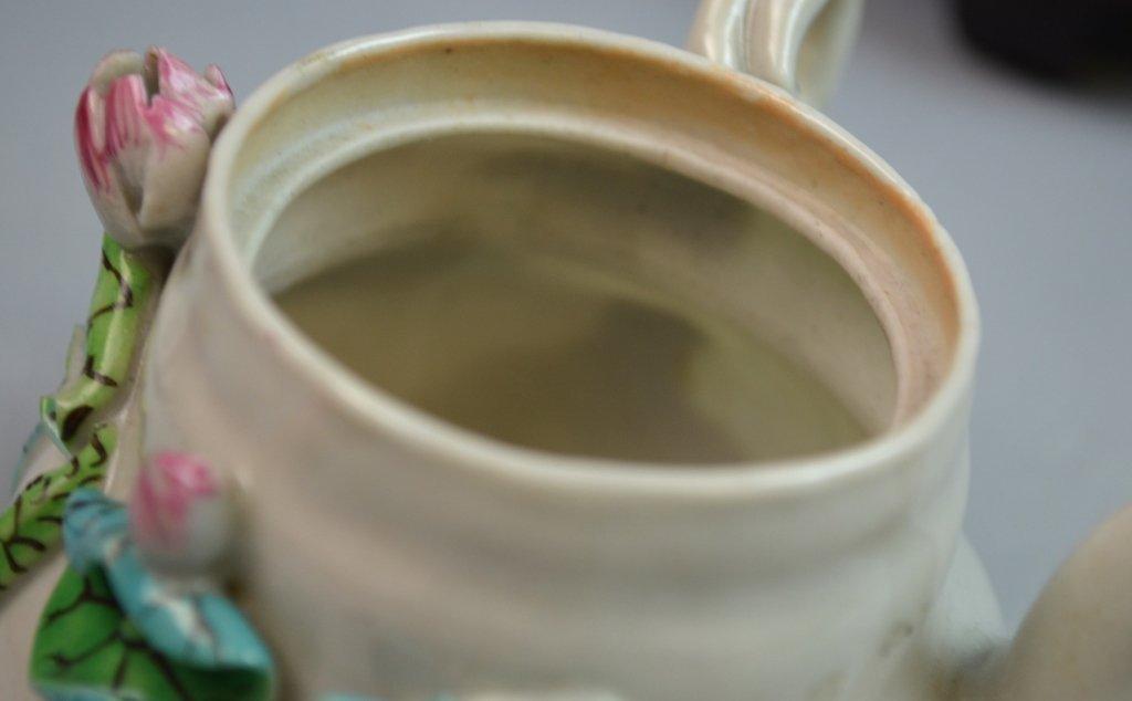 Chinese Famille Rose Porcelain Tea Pot w/ Lotus - 7