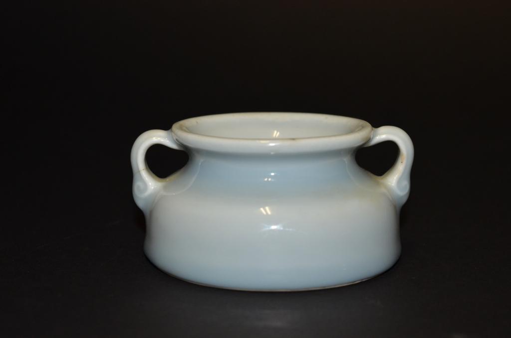 A Chinese Porcelain Claire de Lune Censor